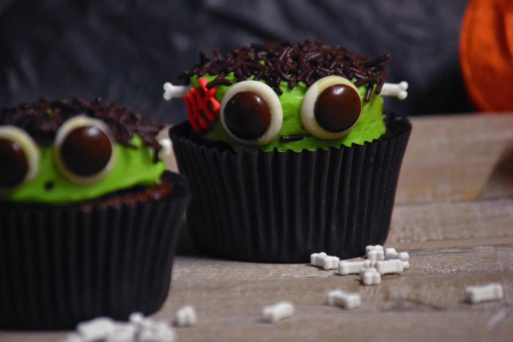 Frankensteincupcakes3