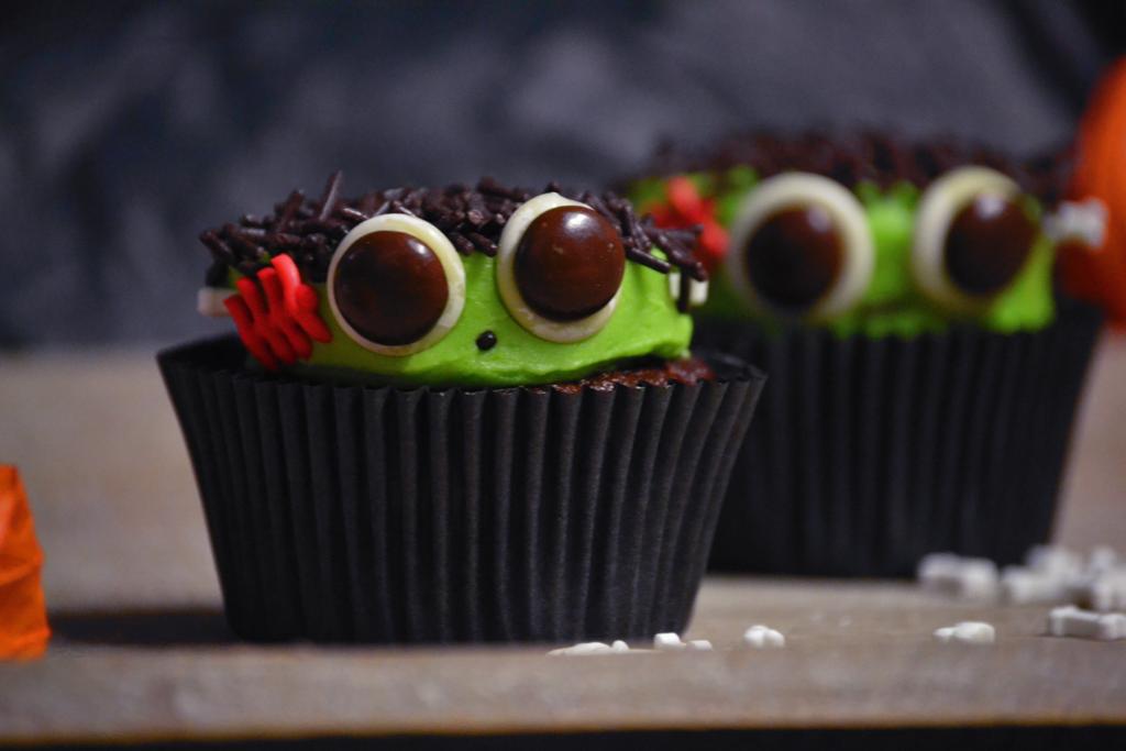 Frankensteincupcakes5