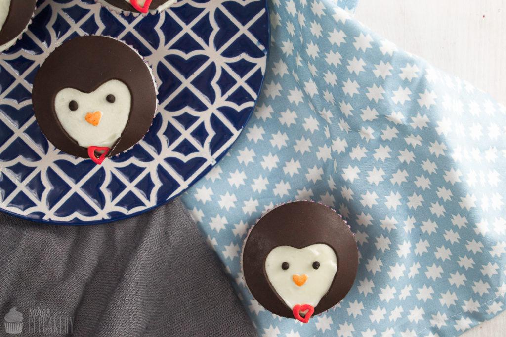 ValentinstagPinguinCupcakes052CSaraBertram