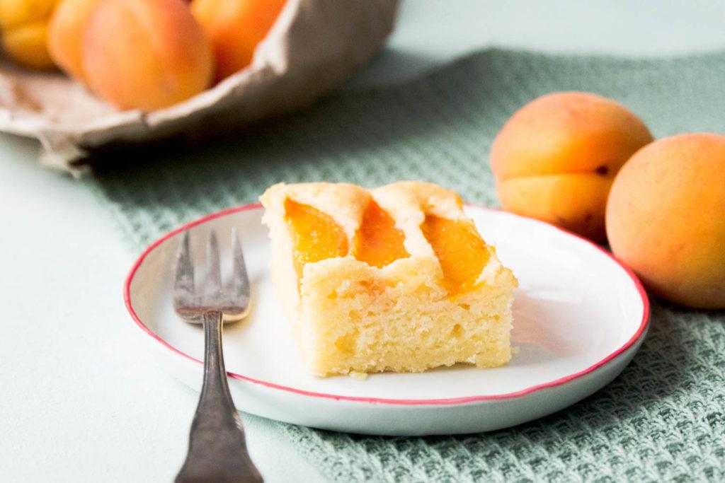 Sommerkuchen Rezepte : Mein lieblings sommerkuchen { rezept: aprikosen sandkuchen } saras