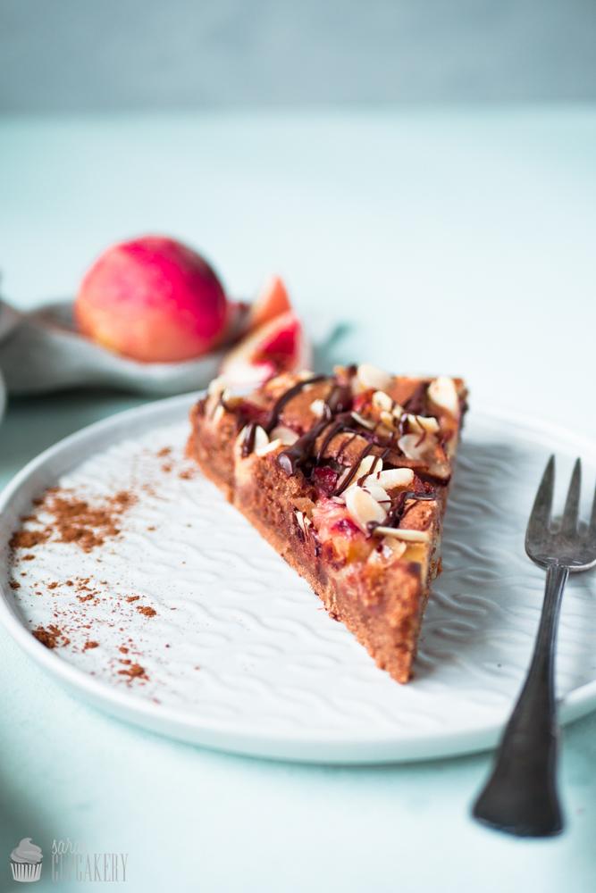 Schokoladen-Pfirsich-Kuchen