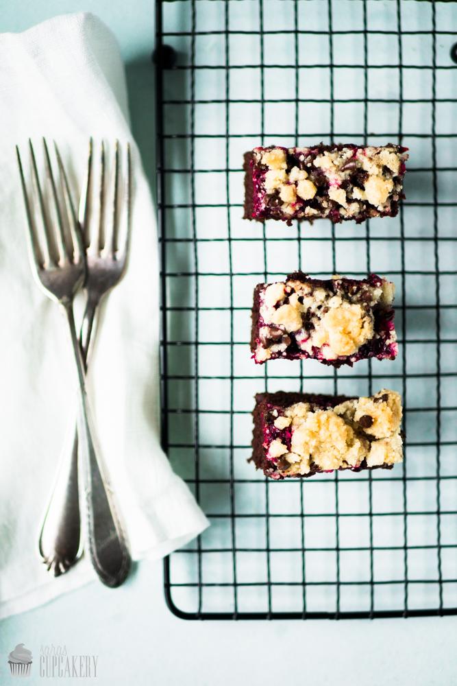 SchokoladenkuchenmitBrombeerenundStreuseln