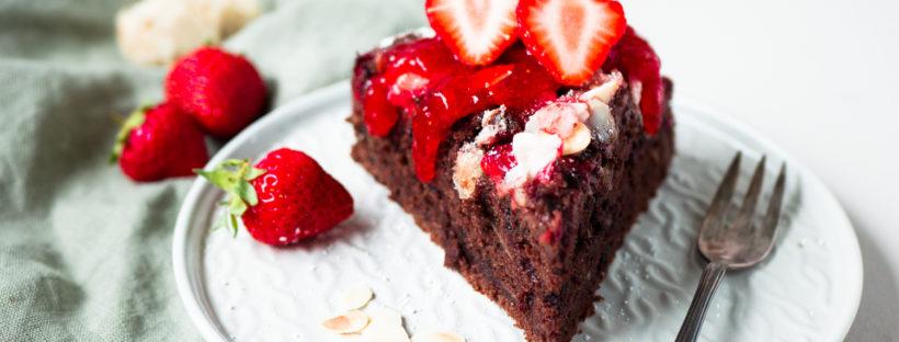 Erdbeer-Schokoladenkuchen mit Mandeln