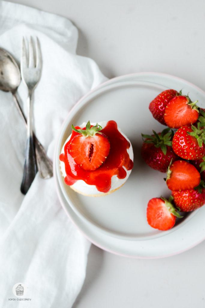 Erdbeer Pavlova Cupcakes
